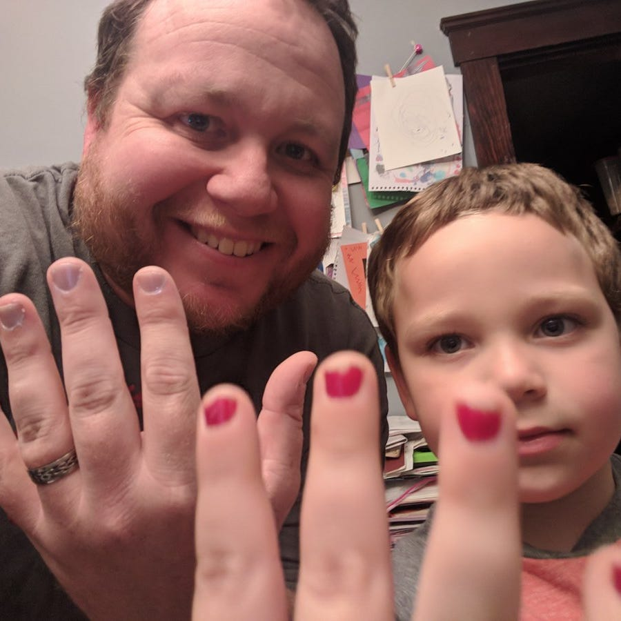 A dad shared a powerful message on Twitter after his 5-year-old son came home in tears for being bullied over wearing nail polish to school.