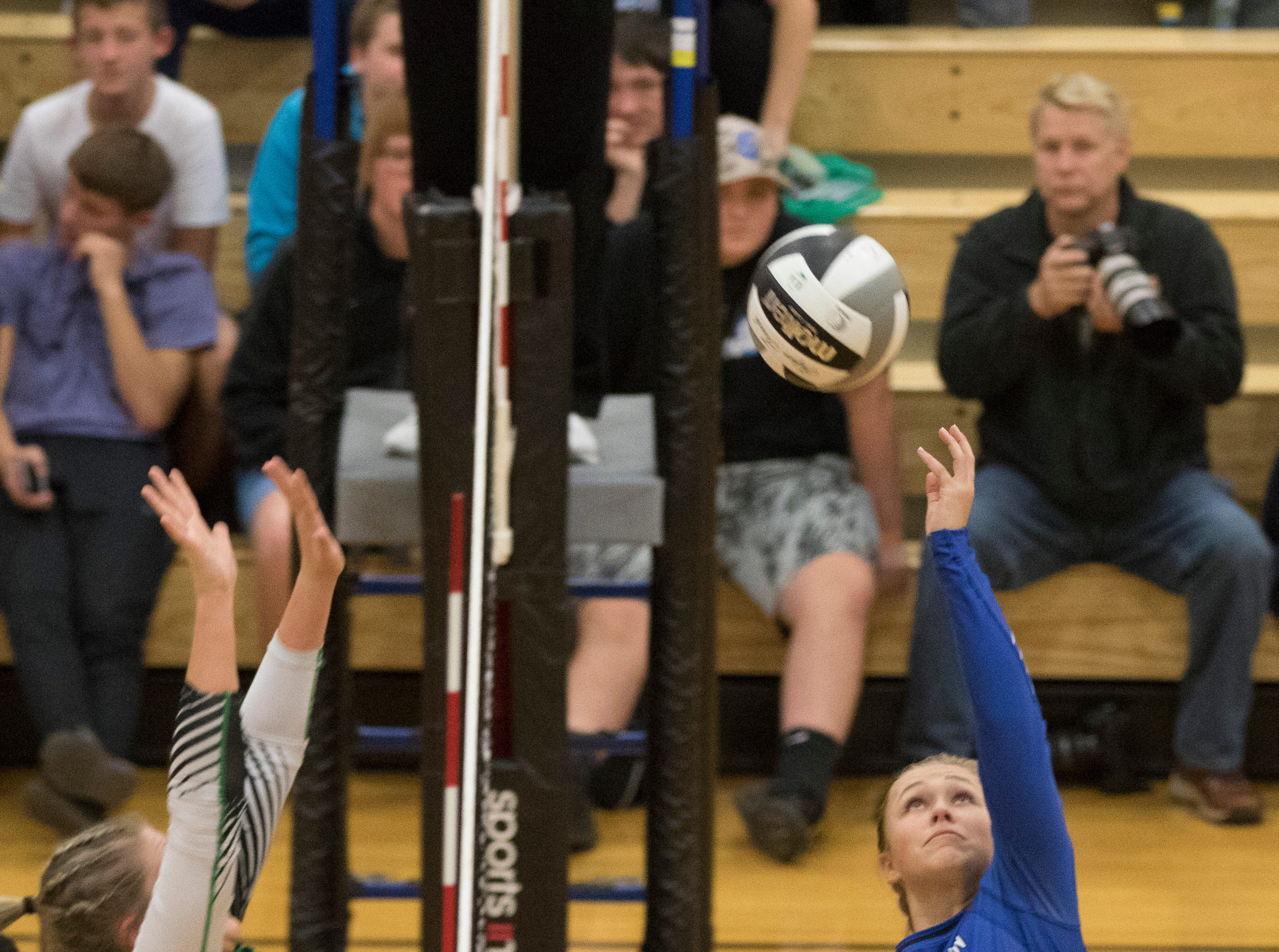 Southeastern defeated Huntington Wednesday night 3-2 at Waverly High School in Waverly, Ohio, advancing them to the district finals in Division III.
