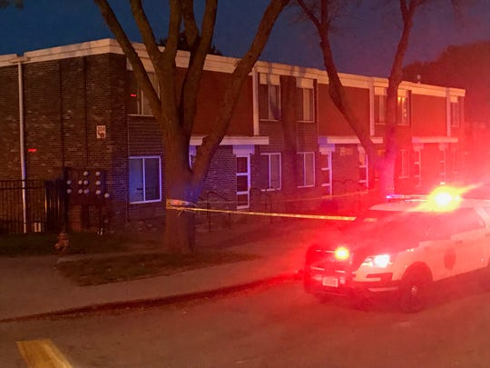 Des Moines police investigate an apparent shooting in the Oakridge Neighborhood on Wednesday, Oct. 24, 2018.