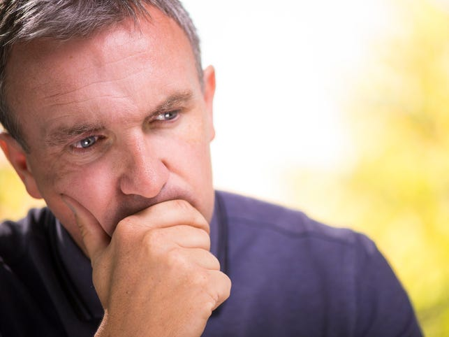 Man wonders about disclosing affair