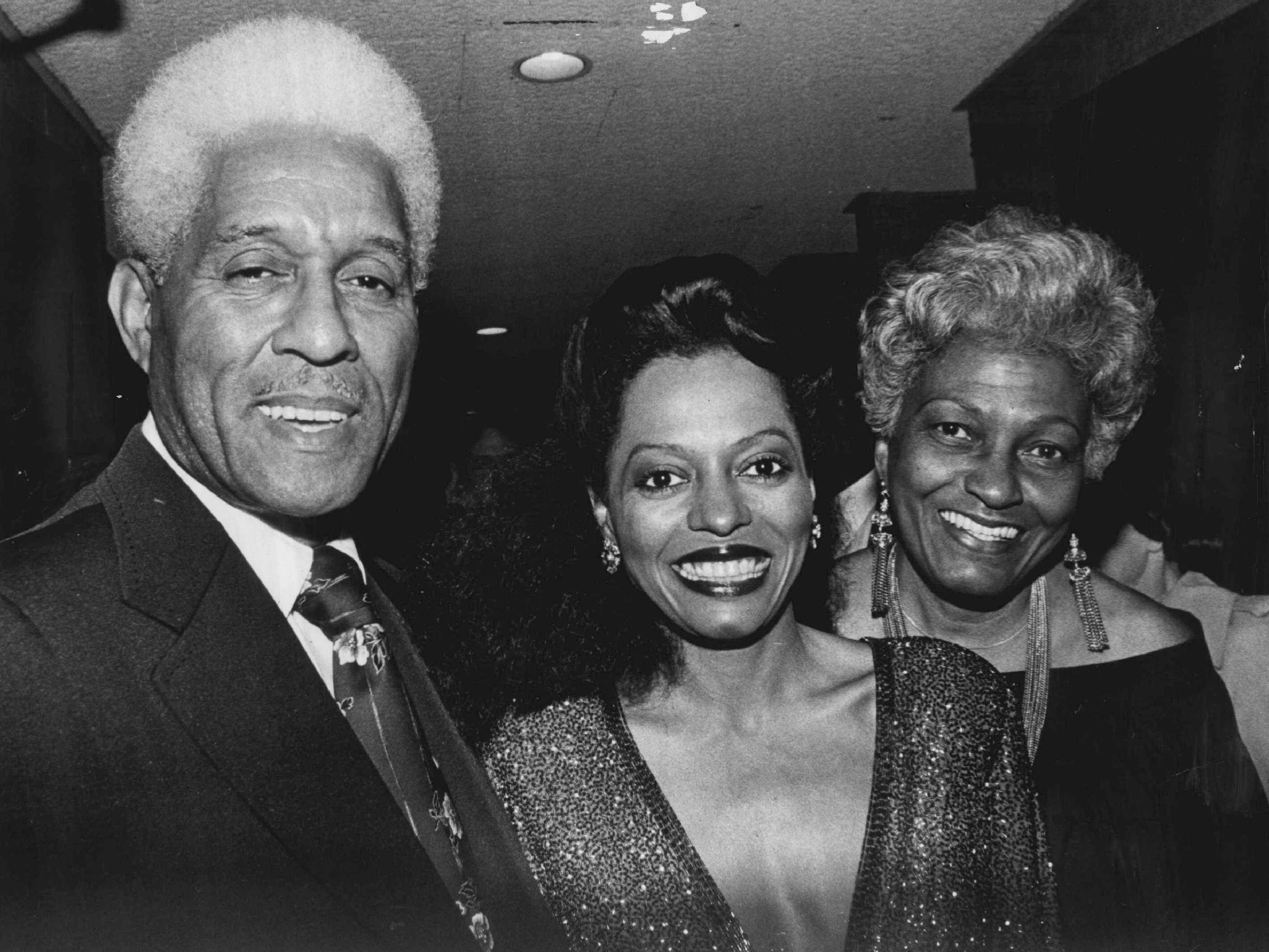 Diana Ross in 1978 with her parents, G. Fred Ross and Ernestine Jordan.