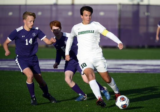Zionsville forward Jack Seamands (10) and the Eagles will play for the Class 3A title Saturday night.