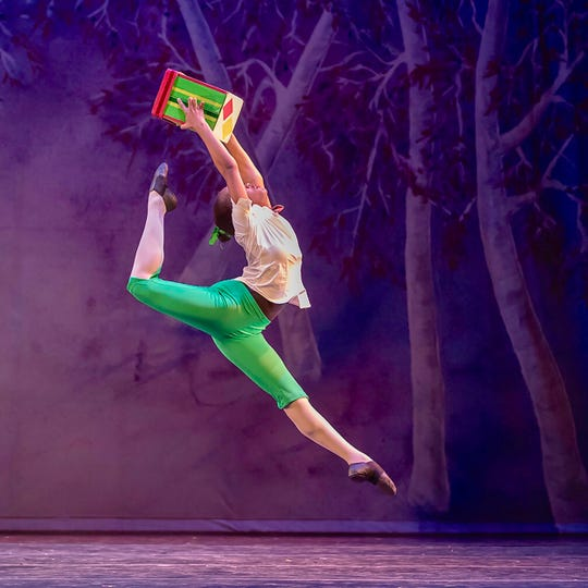 There's a joyous variety of holiday performances in Alabama Dance Theatre's Mistletoe.