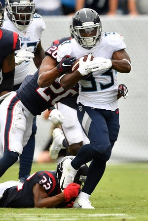 Titans running back Dion Lewis