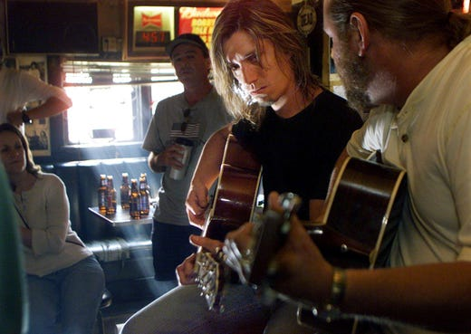 Popular Music Row bar Bobby's Idle Hour gets new home after eviction