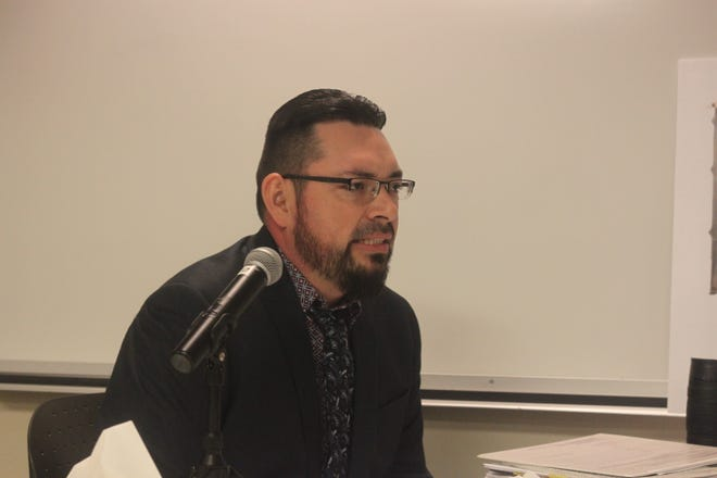 Ricardo Maestas, with the New Mexico Environment Department speaks during a public hearing, Oct. 25, 2018 at New Mexico State University Carlsbad.