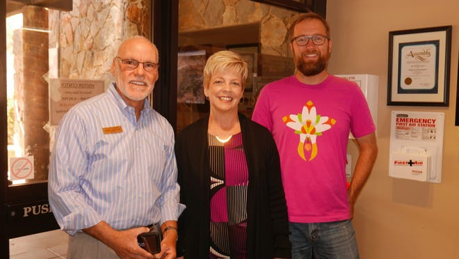 Sabby Jonathan, mayor of Palm Desert,Tammy Martin, executive director of Friends of Desert Mountains, and guideColin Barrows