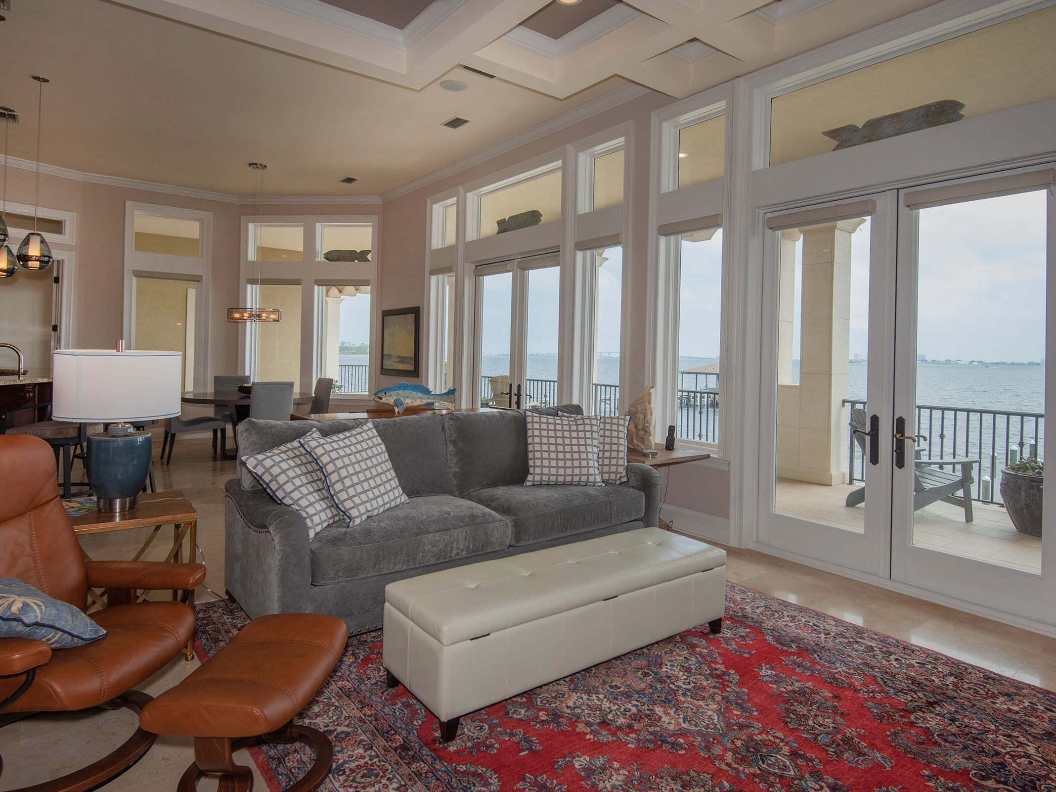 5 Colley CoveThe casual living space overlooks the waterfront.