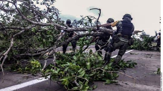Tras daños ocasionados por impacto de 'Willa', Sedena activó plan DN-III en municipios de Sinaloa, Durango, Nayarit, Colima y Jalisco.