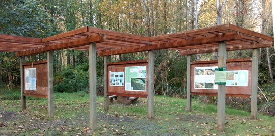 The signs at the entrance to Eola Bend Park give the history of both Eola and Minto Brown Island as well as the story about Eola's evolution from landfill to pristine nature park.