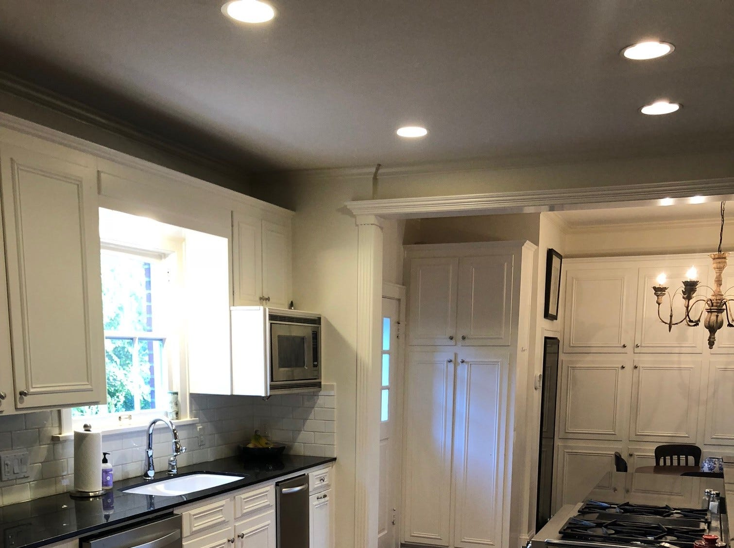 627 Oneonta St.,   Shreveport  Price: $455,000  Details: 5 bedrooms, 3 bathrooms, 3,318 square feet  Special features: Historic home in the heart of South Highlands,  cook's kitchen, Euro Cave wine cellar, fully fenced.   Contact: Michel Fritze, 453-6034