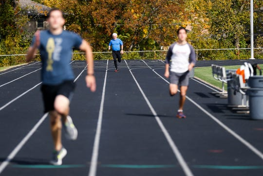 News-Leader columnist Steve Pokin runs a 300-meter sprint as he takes the fitness test that prospective FBI agents must pass in order to be accepted into the FBI academy.