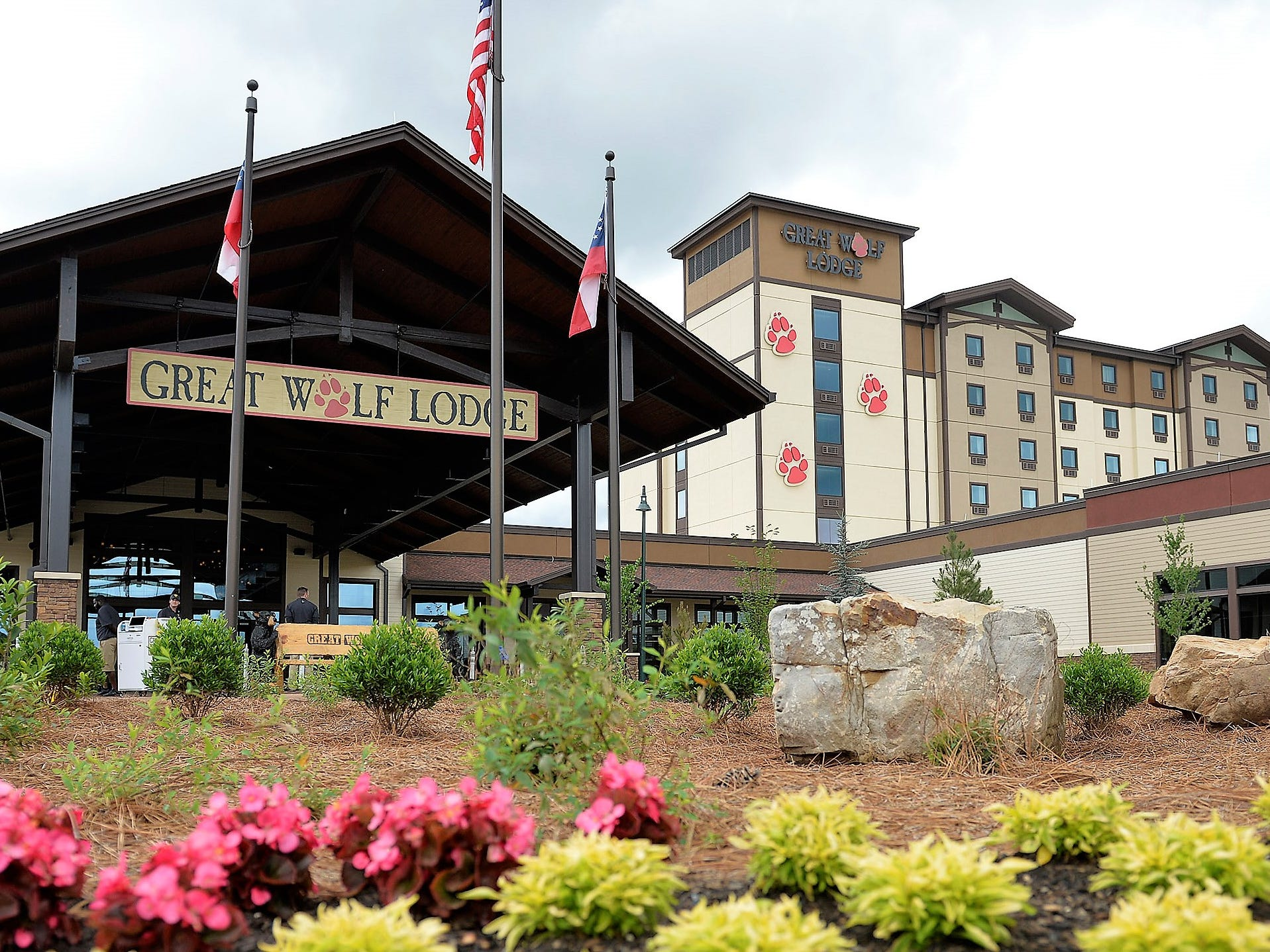 City proposes huge subsidies, land trade with Paul Foster for Great Wolf Lodge resort