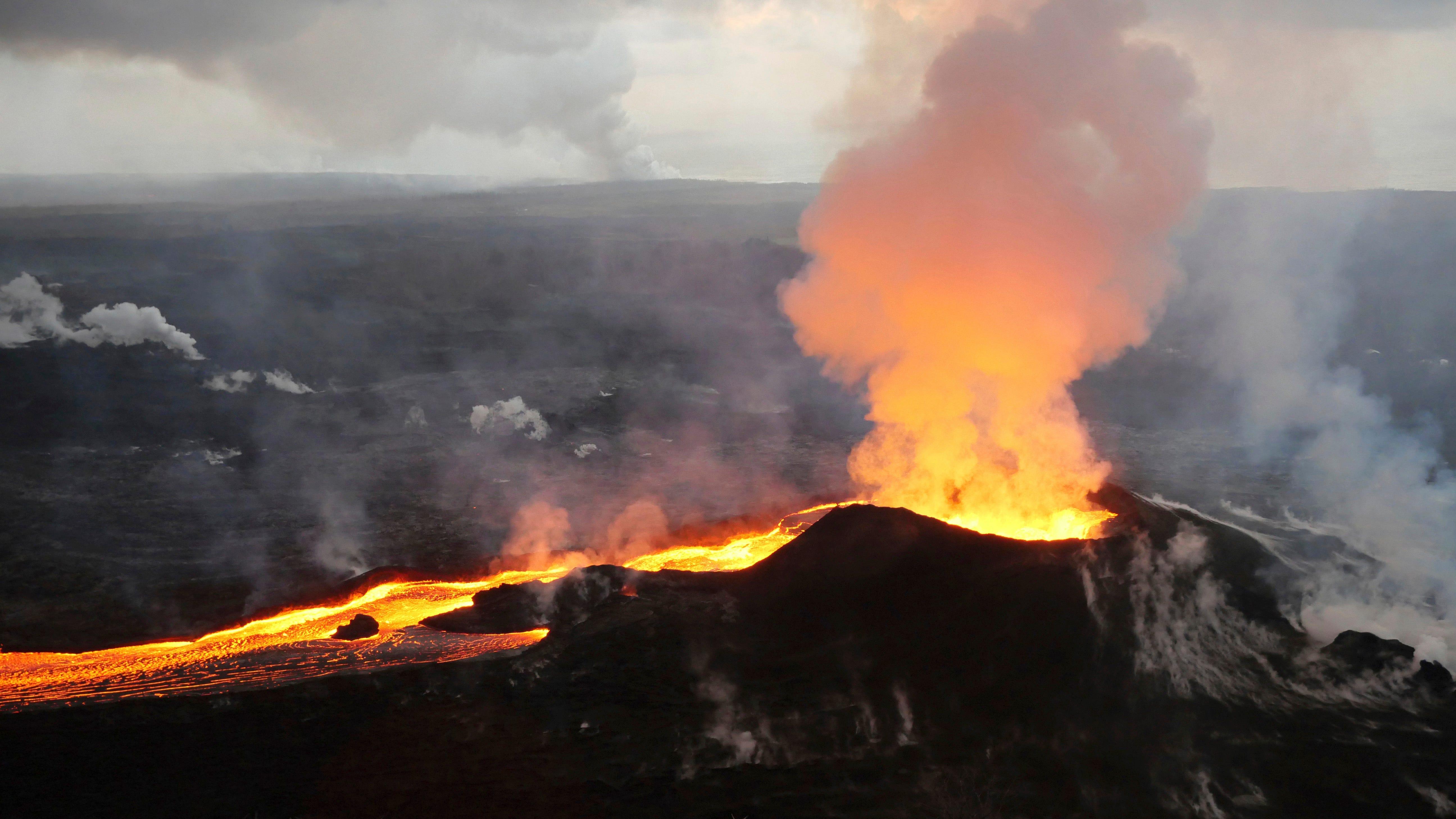 Volcanoes: 18 US volcanoes a high threat, Kilauea most ...
