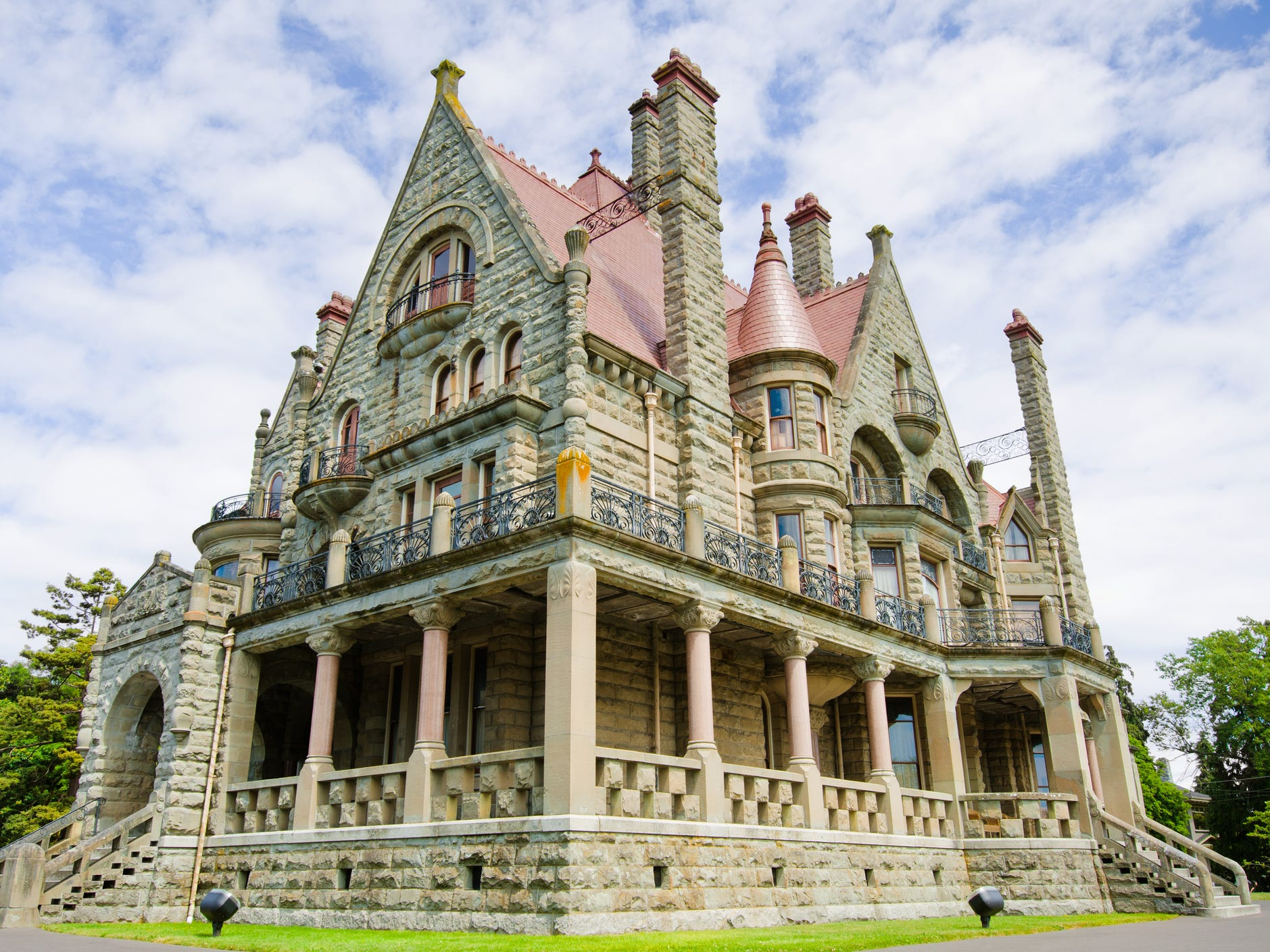 Craigdarroch Castle in Victoria, British Columbia: Built by an oil baron in the late 19th century, Canada's Craigdarroch Castle is a glamorous sight.