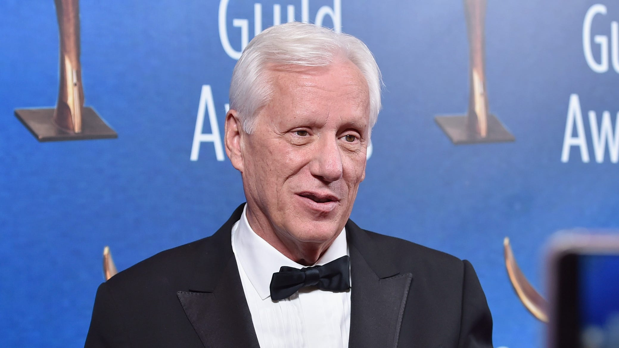 """Actor James Woods called the """"potential explosive devices"""" that the Secret Service intercepted from Bill and Hillary Clinton's home an """"obvious political stunt."""""""