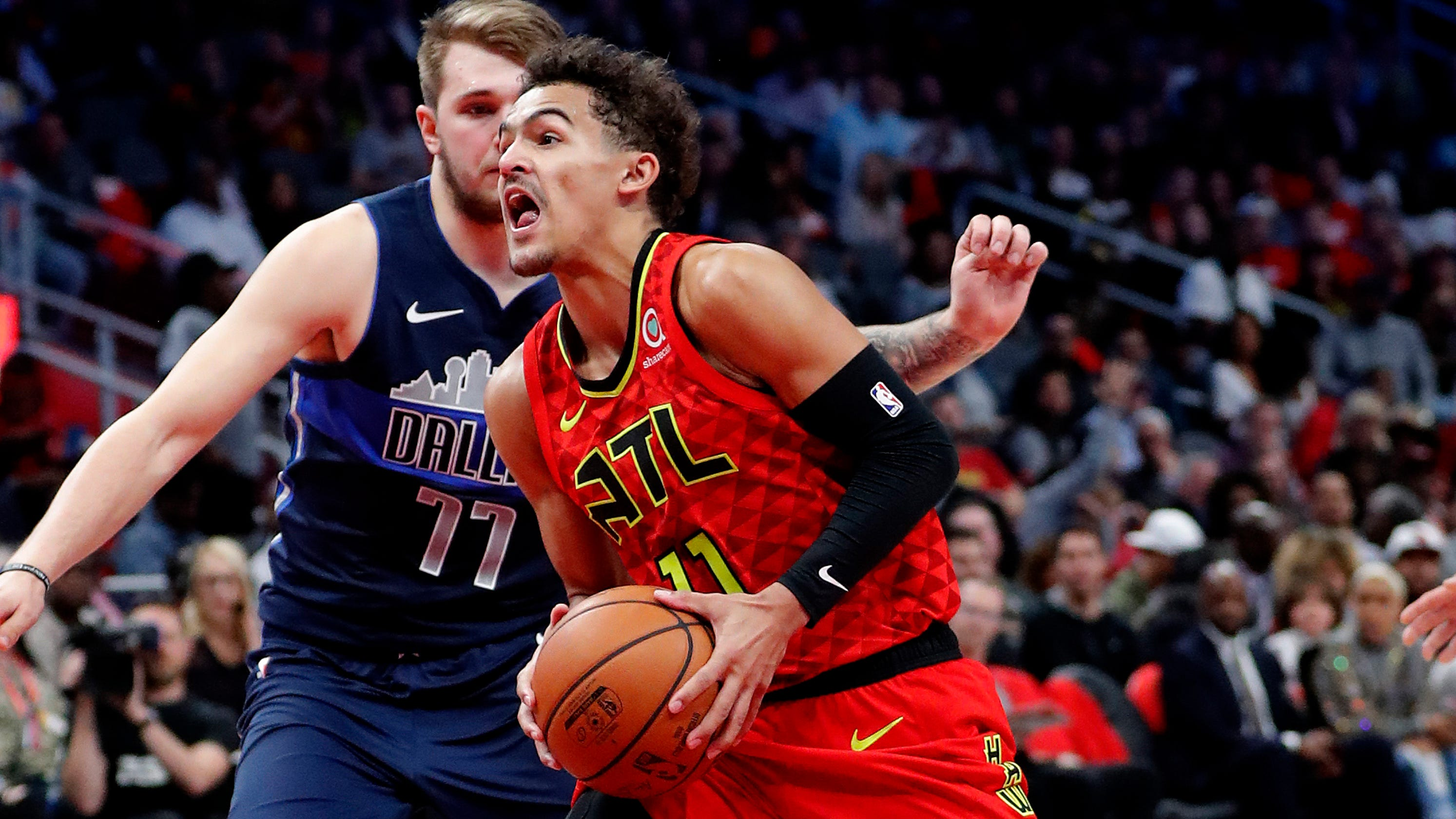 c0b52239d8e1 Hawks  Young bests Mavs  Doncic in first meeting since trade
