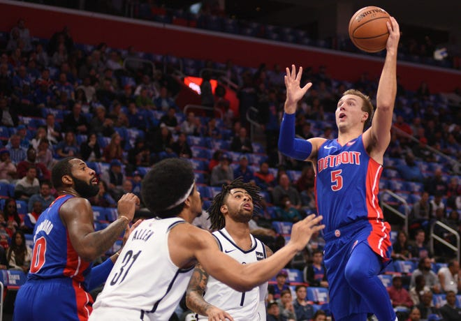 Detroit Pistons guard Luke Kennard drives to the basket during the first quarter against the Brooklyn Nets at Little Caesars Arena, Oct. 17, 2018.