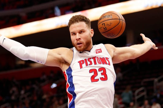 Blake Griffin reacts after dunking against the Cavaliers during the second quarter Thursday at LCA.
