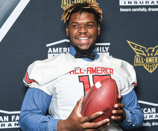 T.L. Hanna star Zacch Pickens officially signed with South Carolina on Wednesday, becoming the first five-star signee for the Gamecockssince Jadeveon Clowney in 2011.