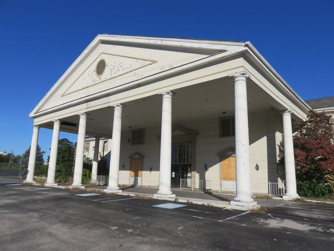 Old Howard Johnson Hotel building, which is scheduled to be torn down, sits idle on Oct. 24, 2018.
