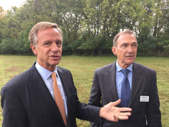 Gov. Bill Haslam stands with Andrew Jackson Foundation President and CEO  Howard Kittell. The state has transferred ownership of 460 acres once owned by Andrew Jackson to the foundation at The Hermitage.