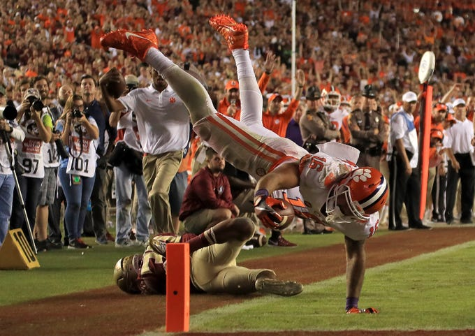 TALLAHASSEE, FL - OCTOBER 29:  Jordan Leggett #16 of the Clemson Tigers scores a touchdown during a game against the Florida State Seminoles at Doak Campbell Stadium on October 29, 2016 in Tallahassee, Florida.  (Photo by Mike Ehrmann/Getty Images)