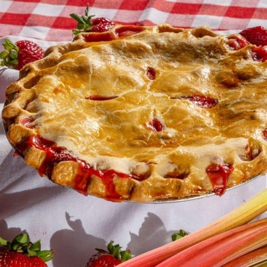 Strawberry rhubarb crumb pie.