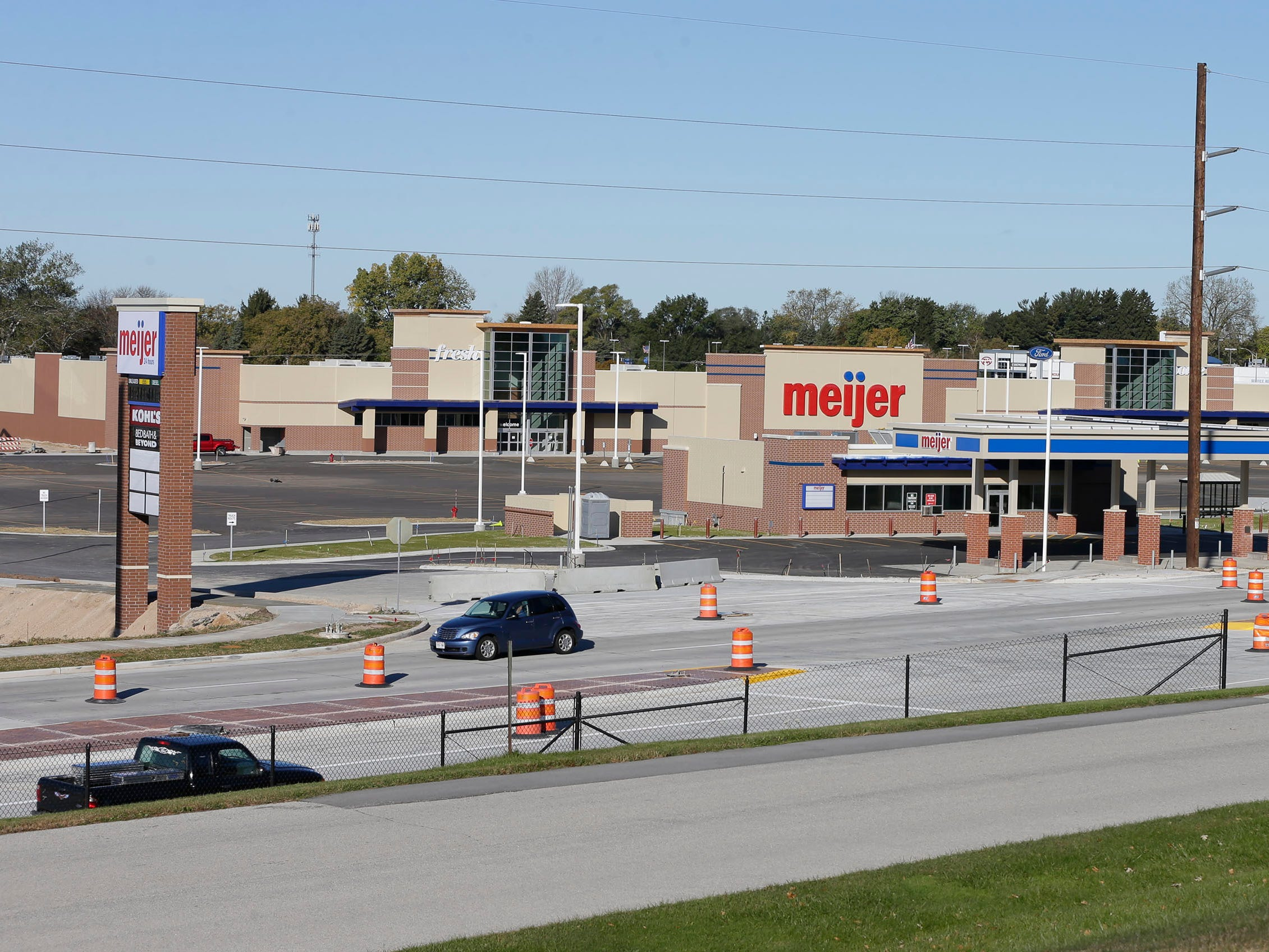 Taylor Drive reconstruction and Meijers beginning to appear finished as seen, Tuesday October 23, 2018, in Sheboygan, Wis. The new sign that replaces the iconic Sheboygan Memorial Mall is seen at left.