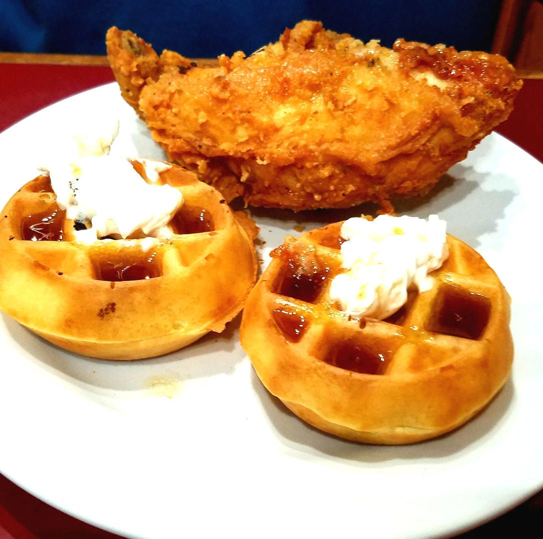 Seminole Inn's Sunday brunch buffet a bounty of comfort food