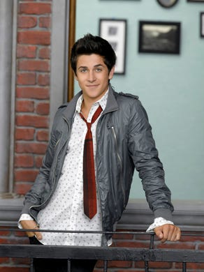 """David Henrie played Alex's older brother, Justin, on """"Wizards of Waverly Place."""""""