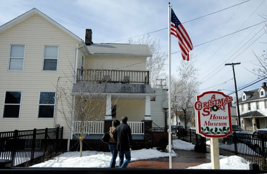 "An ""A Christmas Story"" museum can be toured in Cleveland."