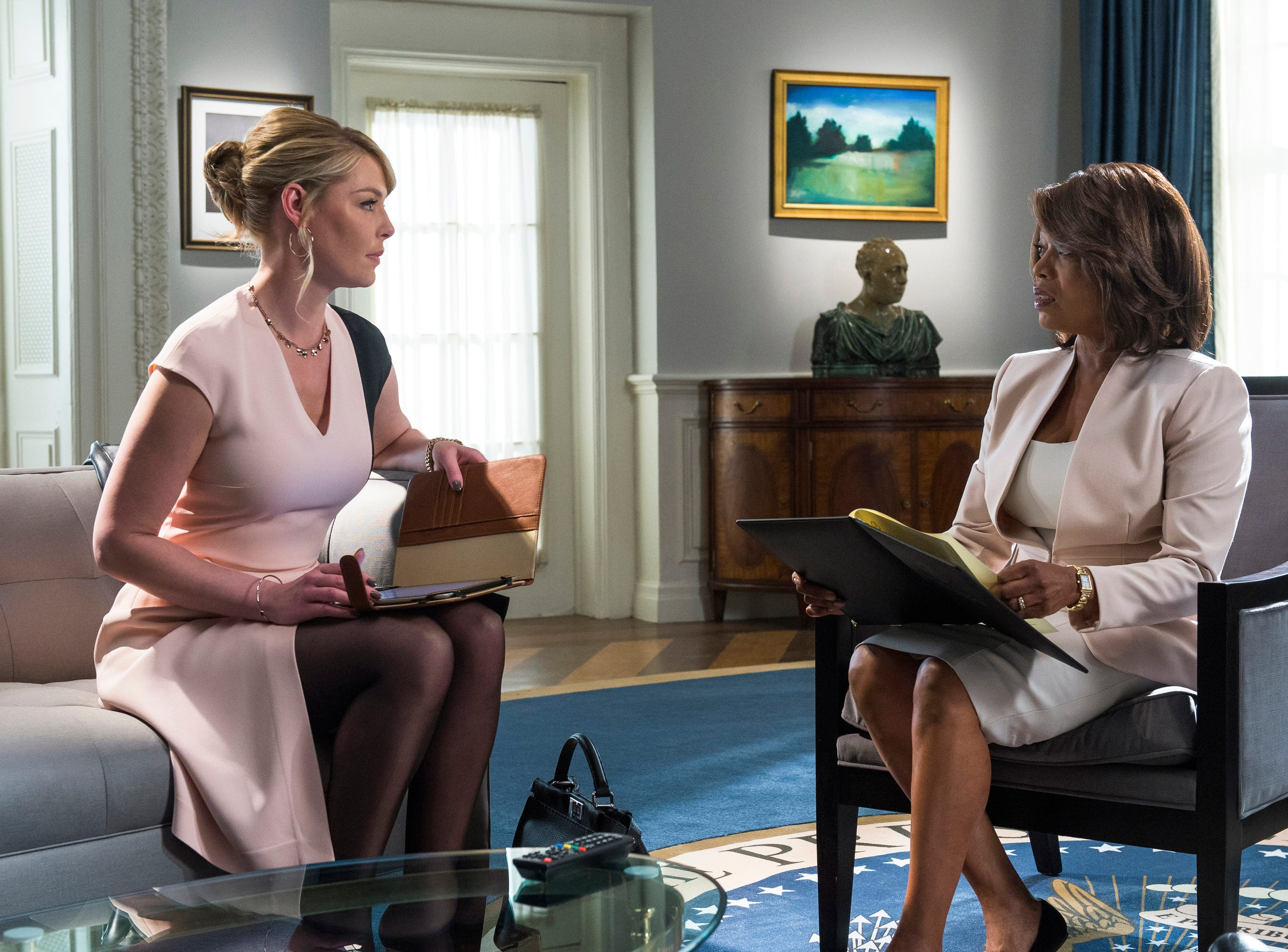 """State of Affairs"" (NBC, 2014-15): Katherine Heigl portrayed CIA analyst Charleston Tucker, who assembled the daily briefings for President Constance Payton (Alfrie Woodard)."