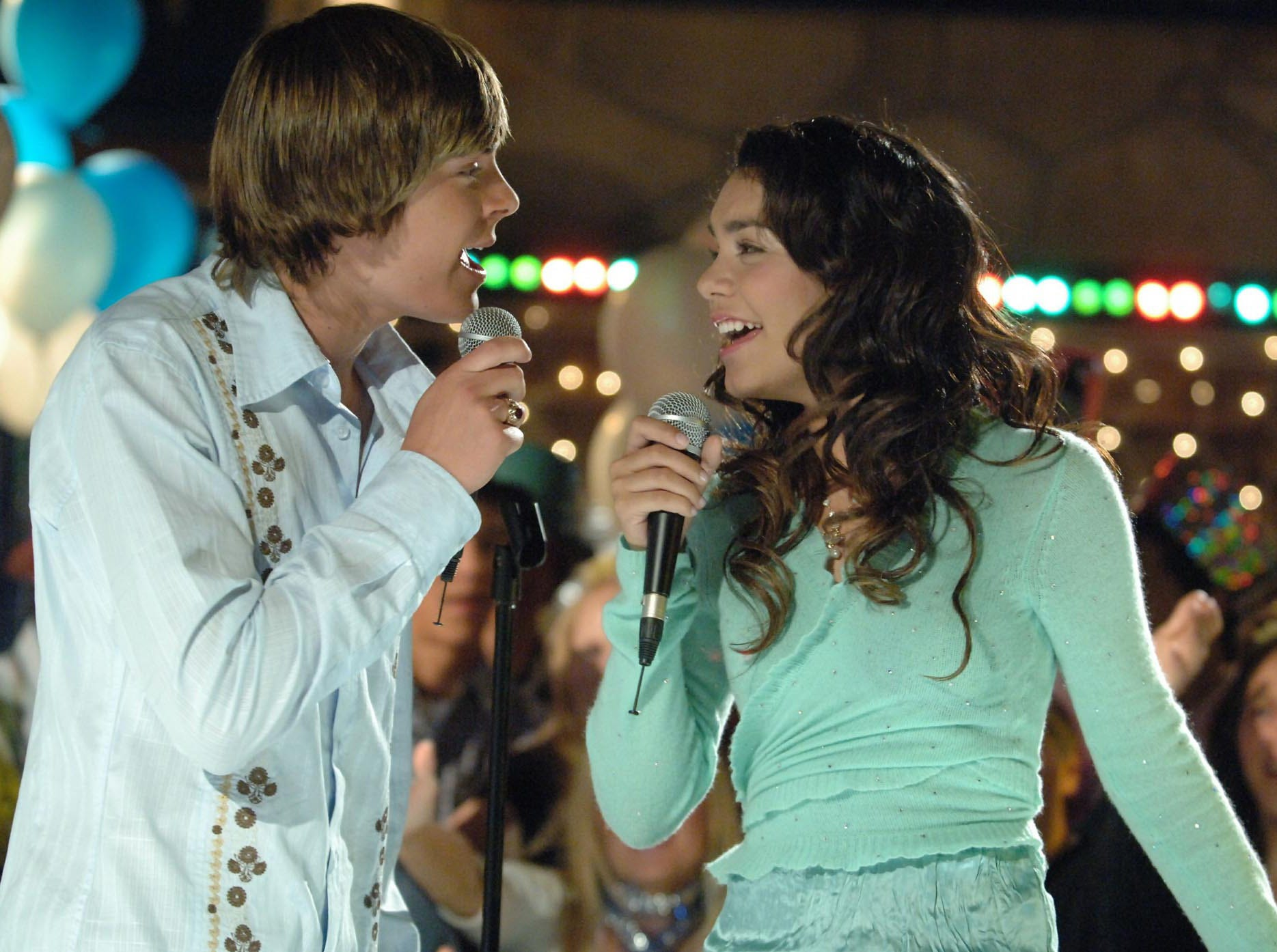 Zac Efron and  Vanessa Anne Hudgens in a scene from High School Musical on Disney Channel --- DATE TAKEN: Unavailable  No Byline   Disney , Source: Paul Lirette 8185697899       HO      - handout   ORG XMIT: ZX44019