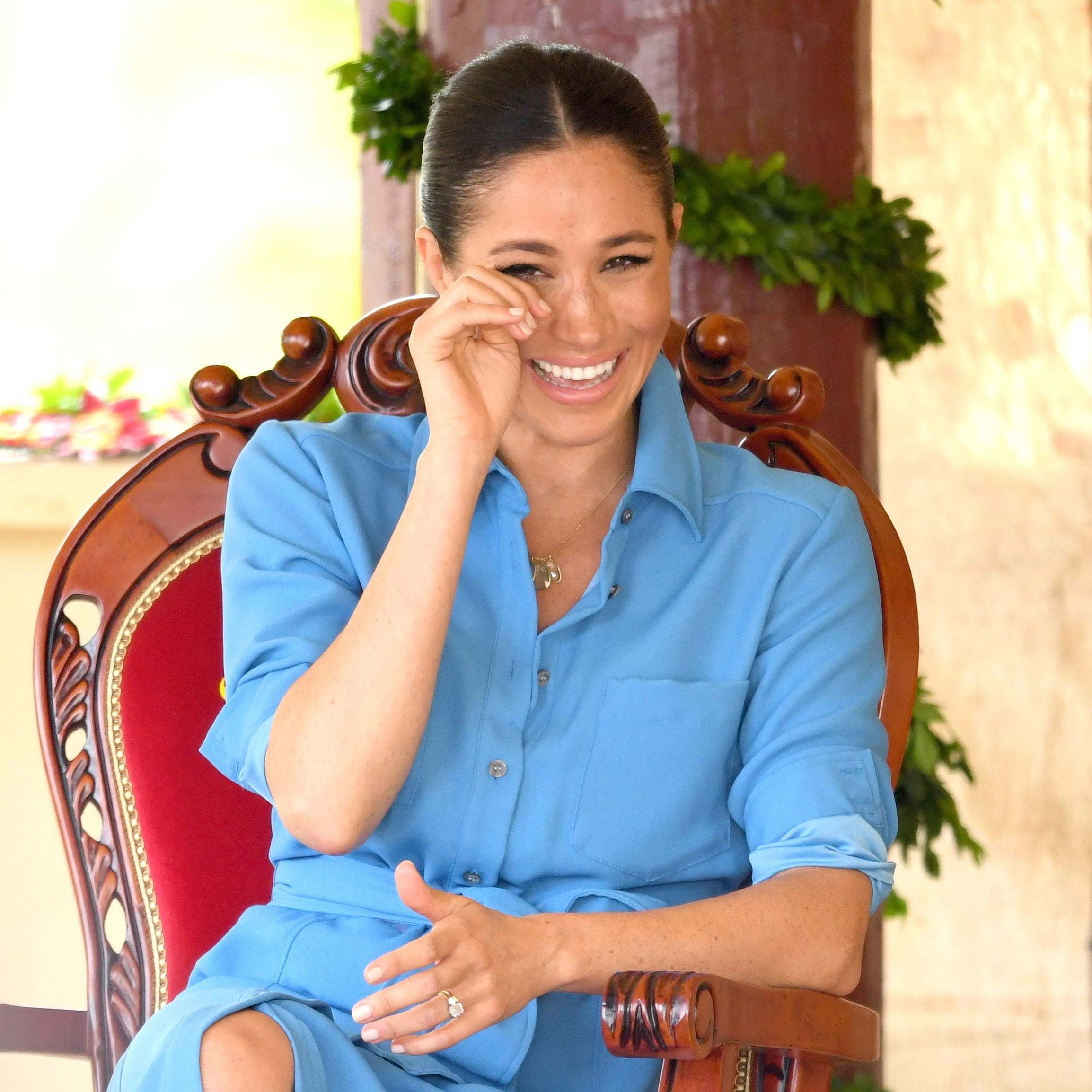 Pregnant Duchess Meghan, Prince Harry look stylish in Tongan forest amid Zika concerns