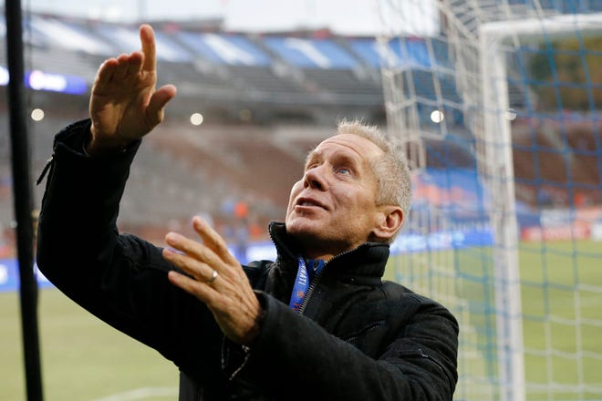 Team owner Carl Lindner thanks fans after the second half of the USL Eastern Conference Semifinal match between the FC Cincinnati and the New York Red Bulls II at Nippert Stadium in Cincinnati on Tuesday, Oct. 16, 2018. FC Cincinnati was eliminated from the playoffs with a 1-0 loss to New York.