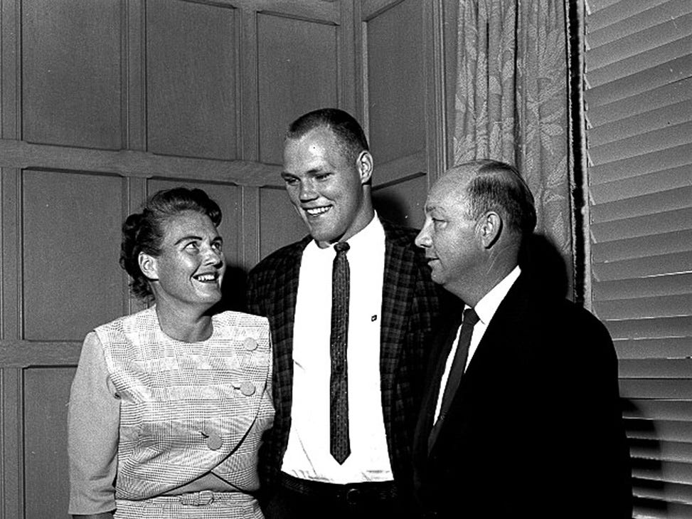 Bill Freehan with his parents in 1961