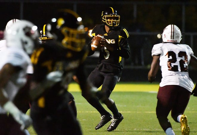 Detroit King quarterback Dequan Finn remains mum on his commitment to Central Michigan.