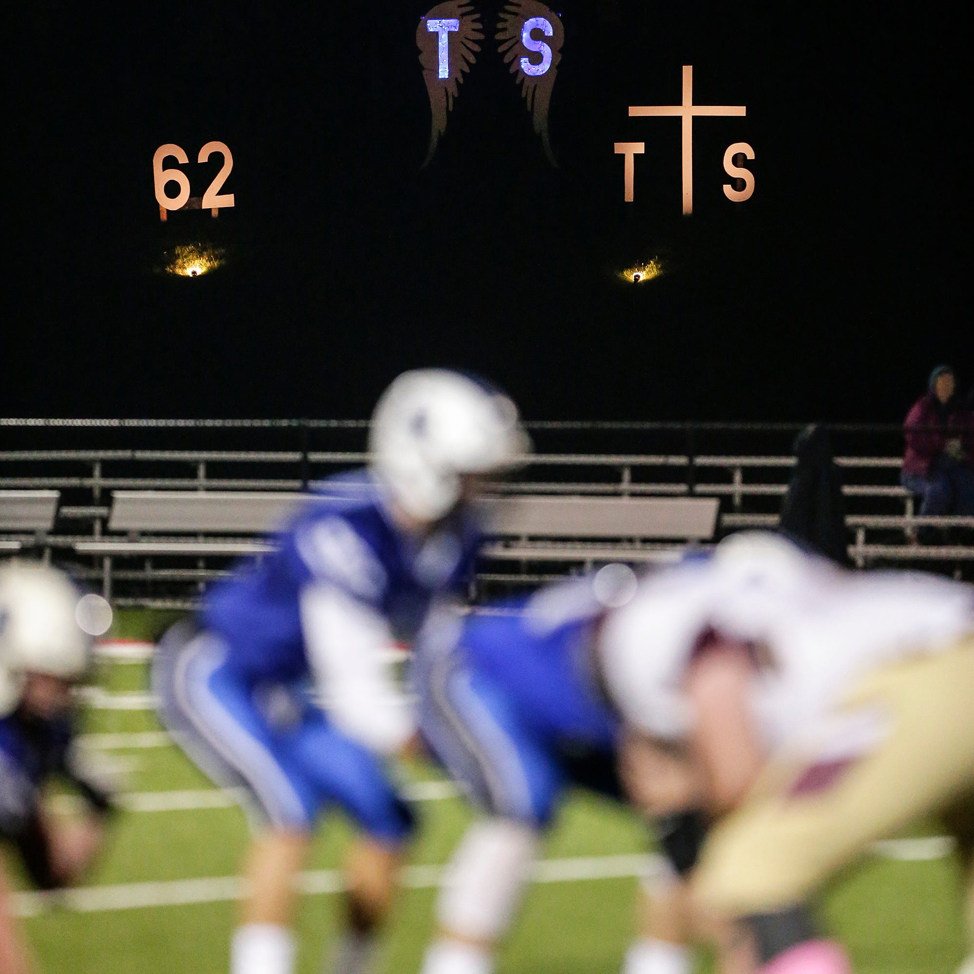 WIAA football: Fond du Lac remembers Trent Schueffner, supports St. Mary's Springs