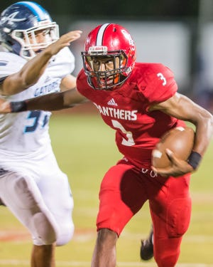 Catholic High of New Iberia quarterback Trey Amos exploded for 193 yards and three touchdowns in knocking off undefeated Dunham in Baton Rouge on Friday.