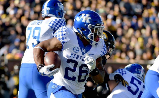 Kentucky Wildcats running back Benny Snell Jr. (26) runs the ball during the first half against the Missouri Tigers on Oct. 27.