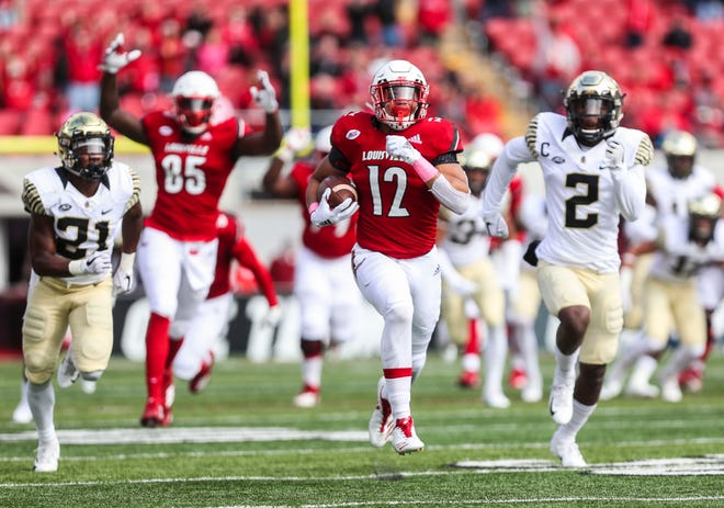 Louisville's Trey Smith chugs 52 yards for the early touchdown in the first quarter against Wake Forest. Oct. 27, 2018.