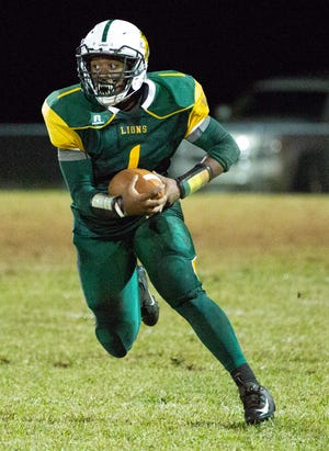 Central's Daylan Preyear runs the ball during the second half of the game against Calhoun.
