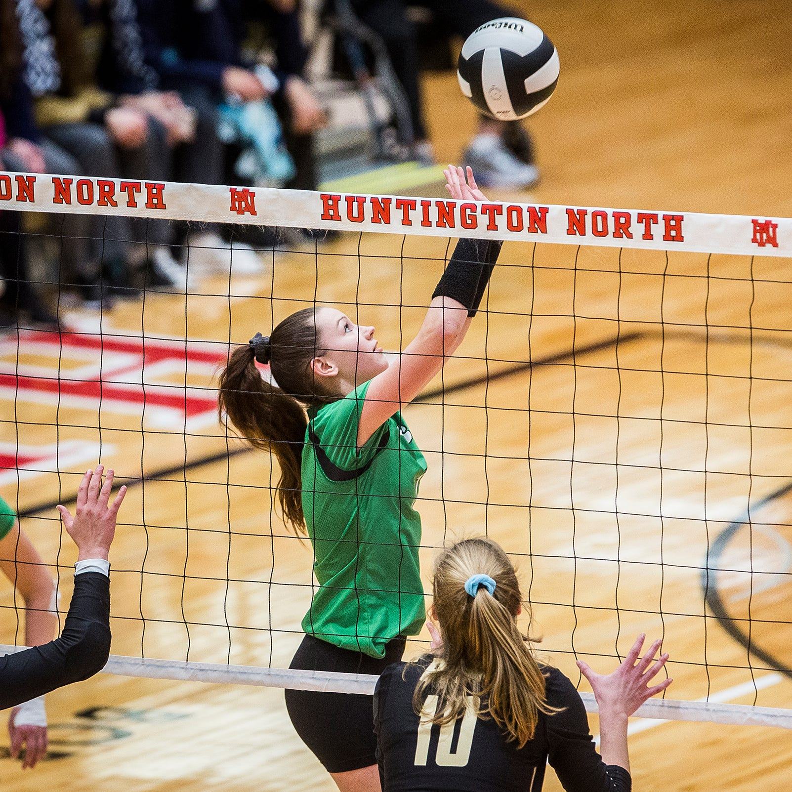Yorktown volleyball player commits to Ball State, stays close to home