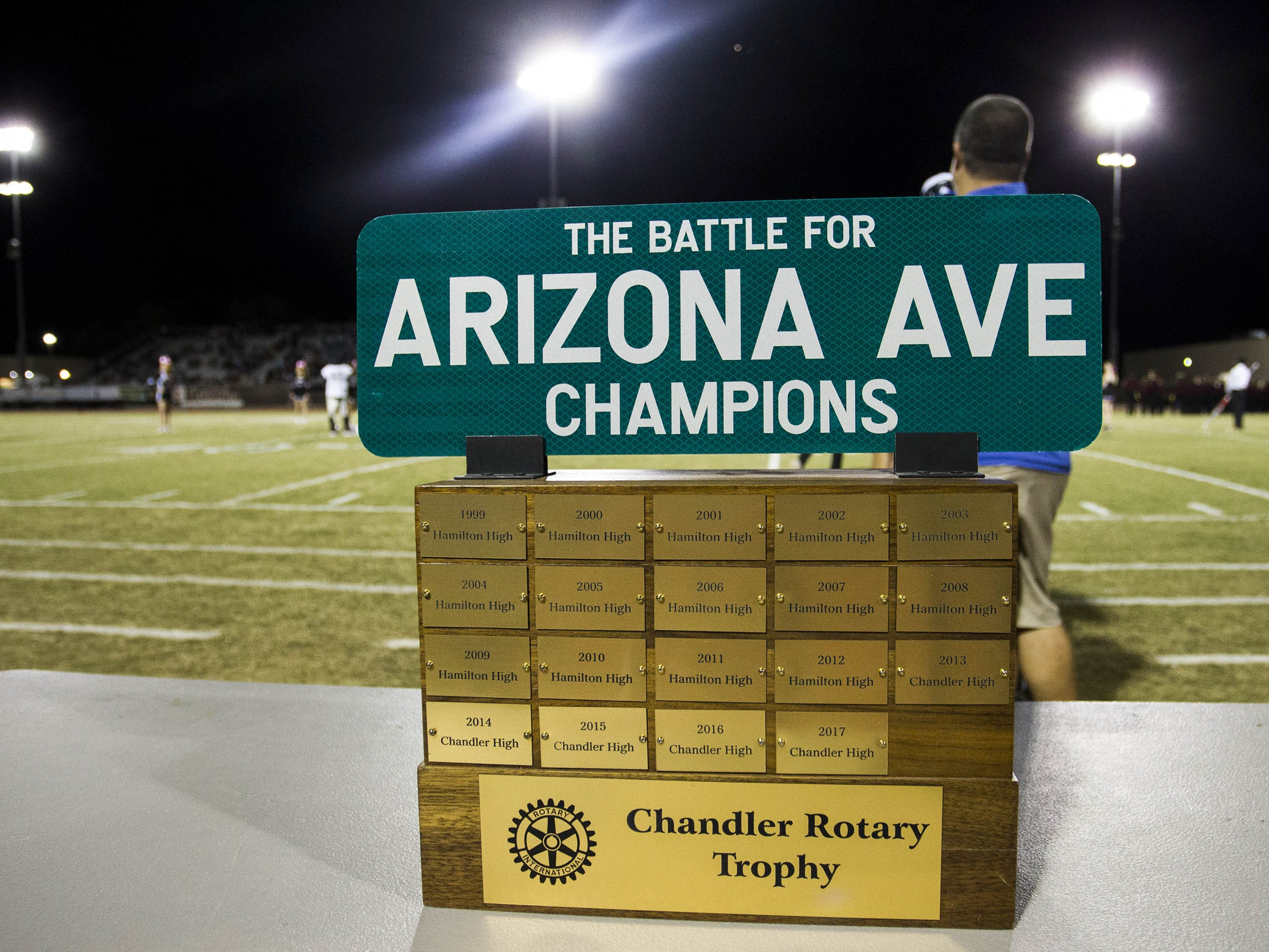 The Battle for Arizona Ave trophy between the Chandler High and their crosstown rivals the Hamilton Huskies in Chandler, Friday, Oct. 26, 2018. #azhsfb