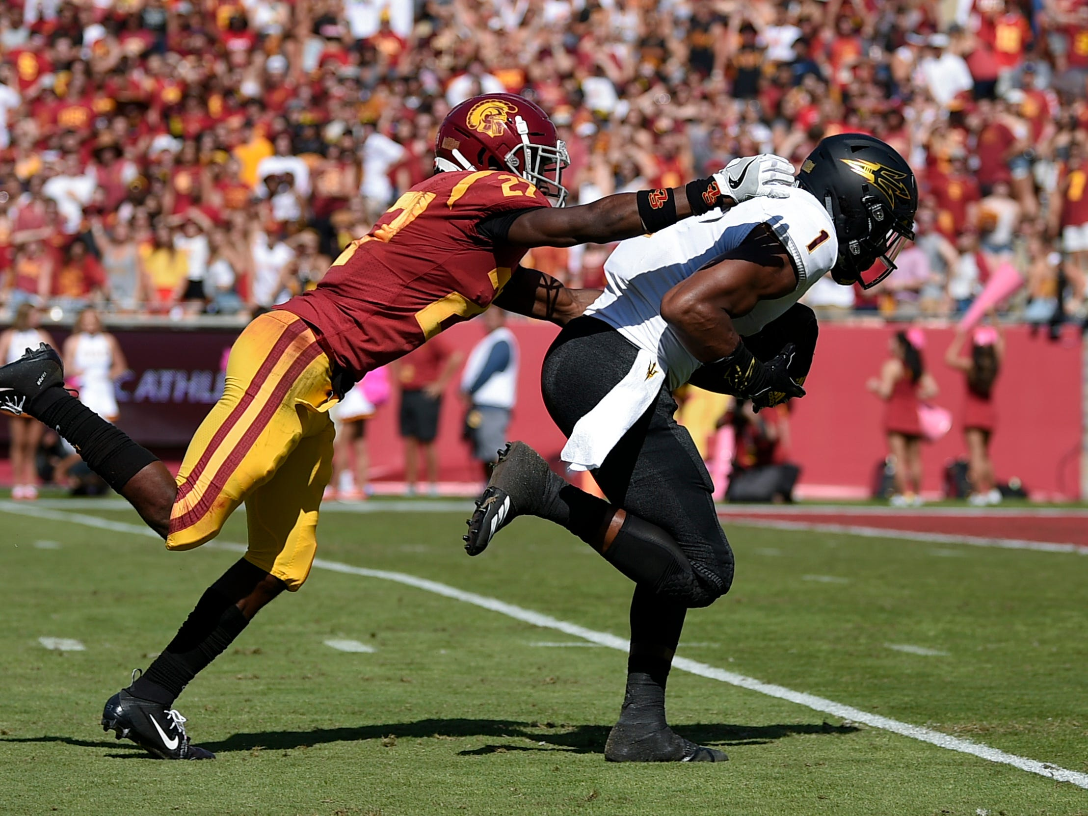Oct 27, 2018; Los Angeles, CA, USA; Arizona State Sun Devils wide receiver N'Keal Harry (1) catches a pass for a touchdown defended by Southern California Trojans corner back Ajene Harris (27) during the first half at Los Angeles Memorial Coliseum. Mandatory Credit: Kelvin Kuo-USA TODAY Sports