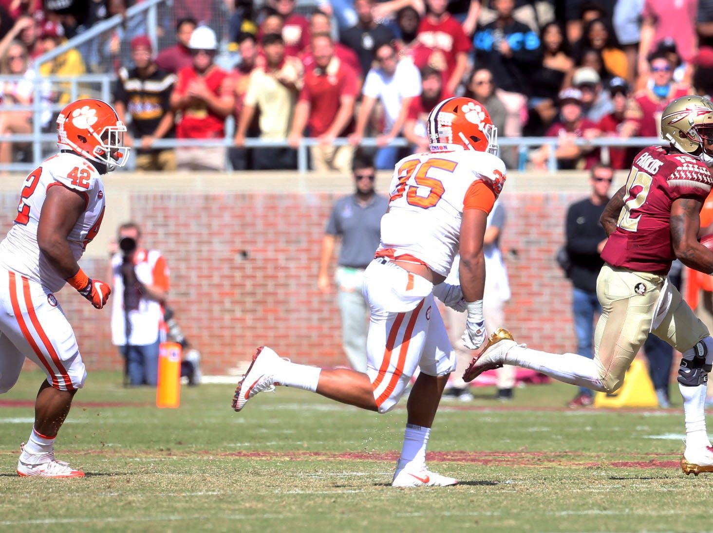 The Florida State Seminoles take on the Clemson Tigers in college football at Doak Campbell Stadium on Saturday, Oct. 27, 2018.
