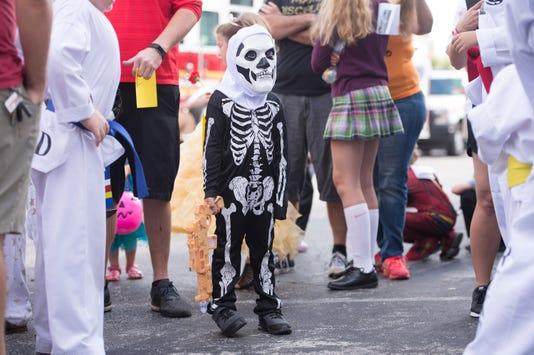 1027 Sa Halloween Parade