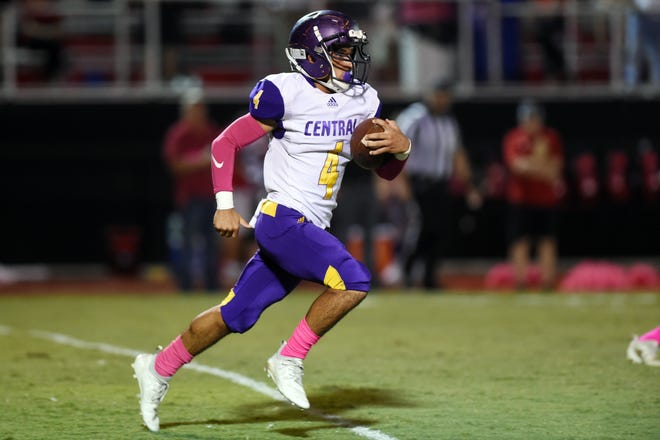 Fort Pierce Central's Mason Burritt looks for running room during a District 8-8A game against Vero Beach on Friday, Oct. 26, 2018 at the Citrus Bowl in Vero Beach. The Cobras will try to snap an eight-game losing streak when it hosts Melbourne Central Catholic in the regular-season finale for both teams at 6 p.m. Thursday.