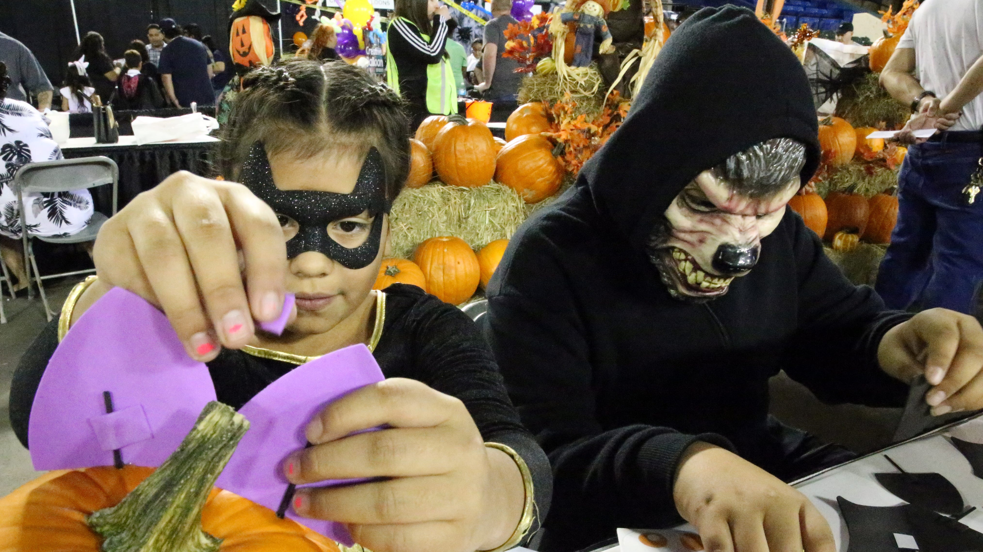 el paso halloween costumes, ideas, events, safety tips